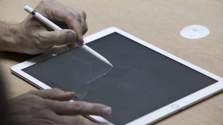 El Lápiz de Apple que cuesta $ 99 dólares, sólo funcionara con el iPad Pro
