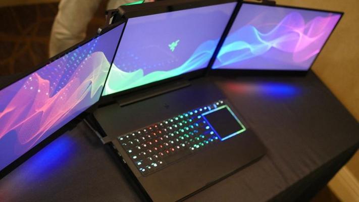 Razer: Le roban un prototipo de 3 pantallas en el CES