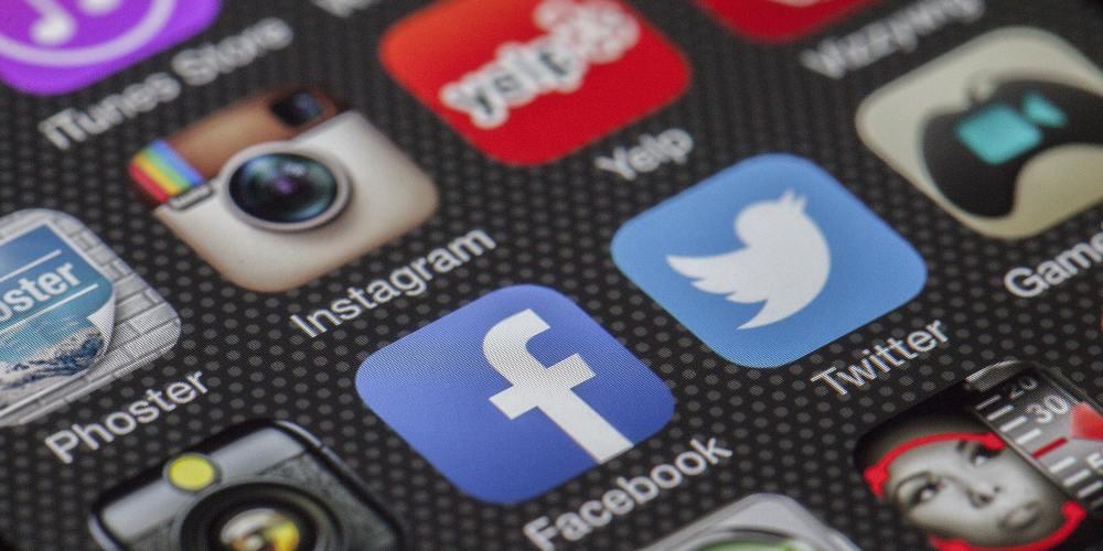 nombre-facebook-redes