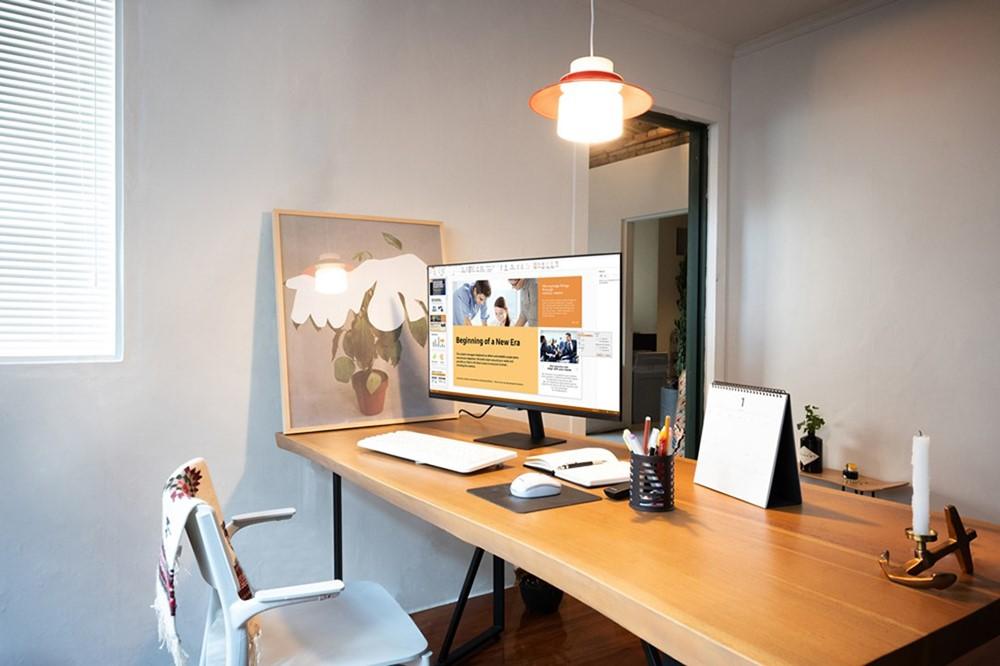 nuevo Smart Monitor de Samsung-desk